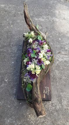 Arrangement arrangement - flower arrangement flower arrangement The Effective Pictures We Offer You Ab - White Floral Arrangements, Spring Flower Arrangements, Spring Flowers, Cemetery Decorations, Garden Cottage, Funeral Flowers, Arte Floral, Deco Table, Scrappy Quilts