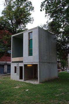 Alejandro Aravena - Elemental - Triennale ''Casa per Tutti'' Milano 2008