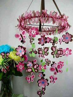 Colgante flores y mariposa