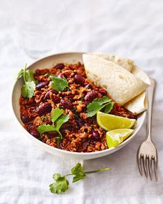 This easy chilli con carne recipe is a quick and classic sharing option for a casual night with friends. Find out how to make it at BBC Good Food. Quick Chilli Recipe, Easy Chilli, Chilli Recipes, Mince Recipes, Mexican Food Recipes, Cooking Recipes, Healthy Recipes, Chilli Recipe Chocolate, Homemade Chilli Con Carne