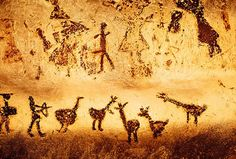 20 Most Fascinating Prehistoric Cave Paintings (cave paintings, lascaux cave paintings, altamira cave paintings) - ODDEE Lascaux Cave Paintings, Religions Du Monde, Paleolithic Art, Art Rupestre, Cave Drawings, Ancient Art, Rock Art, Painted Rocks, Art History