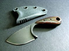 Stonewood Designs, custom neck knives and fixed blade knives. Every knife is custom handmade with pride. Specializing in neck knives and custom fixed blade knives. Kydex, Knives And Tools, Knives And Swords, Trench Knife, Neck Knife, Hard Metal, Knife Sharpening, Fixed Blade Knife, Custom Knives