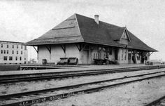 Watrous, Saskatchewan | Grand Trunk Pacific Railway Station c. 1915 Canada Rail, Western Canada, Train Stations, More Pictures, Hot Springs, Easy Drawings, Trains, House Styles, Places
