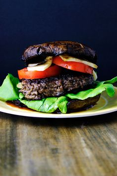 Bunless Portobello Burger via sewletscook.com. Oh my heck, this looks SO good. Just the picture is making me drool.