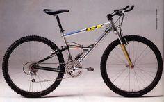 Juli Furtado's 1992 Worlds Downhill winning GT Yes, that's a downhill bike back then. Gt Mountain Bikes, Mountain Biking, Gt Bikes, Cool Bikes, Vintage Cycles, Vintage Bikes, Mtb, Bmx Cycles, Retro Bicycle