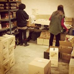 Práce všeho druhu #workinghard #darekpromuze #manboxeo #bedna #pacidlo  #pracevsehodruhu #love #happy #instacool #sklad