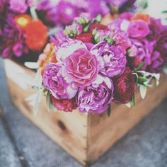 Color your days >> eligiendo flores  #event #ubf #party #wedding #decor #eventplanner #flowers #flowerstagram #spring