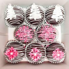 Hot Chocolate Gifts, Hot Chocolate Bars, Hot Chocolate Recipes, Cake Truffles, Cupcakes, Christmas Treats, Christmas Fun, Bakery Business Plan, Chocolate Chip Walnut Cookies