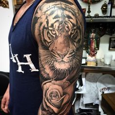 With the eye color like dads eyes tattoos costas, tiger tattoo design, tattoo designs Arm Tattoos Tiger, Tatoo Tiger, Tiger Tattoo Sleeve, Big Cat Tattoo, Tattoos 3d, Tiger Tattoo Design, Mens Lion Tattoo, Animal Tattoos, Body Art Tattoos