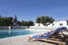 Trullo Fumarola: Trullo and Villa are set around a 10 x 10 mt pool