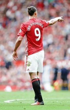 Zlatan Ibrahimovic of Manchester United gestures during the Premier. Manchester United Images, Manchester United Football, Milan, Football Predictions, Fifa Football, Chelsea, Association Football, Football Is Life, Soccer Stars
