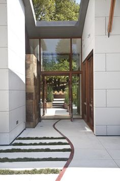 Modern Entry Photos Entry Hall Design, Pictures, Remodel, Decor and Ideas - page 9
