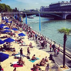 Paris Plages 2012. An Urban/ landscape design focus on the transition between water and street. This one focus more on the experience and program. For more pictures visit the website