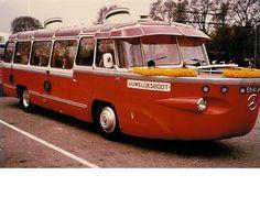 It says it's a Mercedes, lol. Bus Camper, Vw Bus, Campers, Onibus Marcopolo, Mercedes Benz Bus, Automobile, Amphibious Vehicle, Tramway, Train Truck