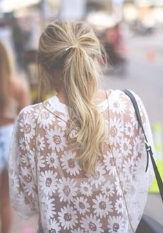 White Daisy Print Hollow-out T-Shirt