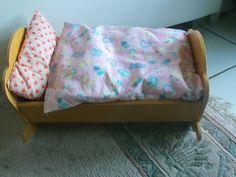 Vintage alte Puppenwiege/Puppenbett aus Holz  von MajaSt auf DaWanda.com
