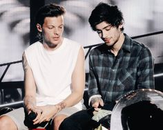 Find images and videos about boy, one direction and louis tomlinson on We Heart It - the app to get lost in what you love. Zayn Malik, Niall Horan, One Direction Pictures, I Love One Direction, Direction Quotes, Liam Payne, Change My Life, Of My Life, Larry