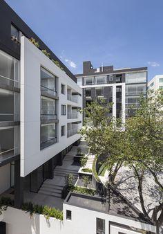 Galeria de Edifício Onyx / Diez + Muller Arquitectos - 14