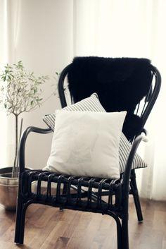 http://mykeminutter.blogspot.no:   Fall is here. Chair Storsele from IKEA.
