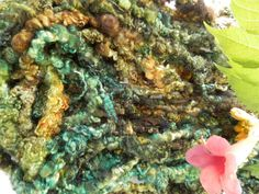 DREADS AUTUMN art yarn / handspun / hand dyed / bulky / wool / locks / green gold brown / knitting weaving felting door hetwolhuuske op Etsy