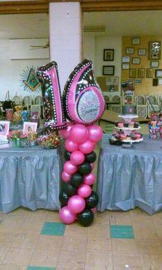 Balloon column sweet 16