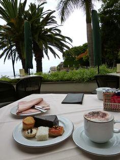 "Merenda, ""Cliff Bay Resort Hotel"", Funchal Madeira Portugal (Luglio)"