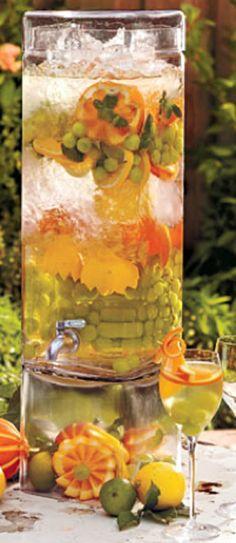 Spa Water ~ glorious fruit and herb infused water Refreshing Drinks, Summer Drinks, Fun Drinks, Healthy Drinks, Beverages, Healthy Eating, Summer Parties, Infused Water Recipes, Fruit Infused Water