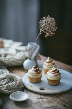 Vermont Food Photography Styling Workshop by Eva Kosmas Flores A First We Eat food styling and photography workshop in rural Vermont, where attendees learned all about food styling, photography, and mixology. Cupcake Photography, Food Photography Styling, Food Styling, Photography Ideas, Photography Backdrops, Photography Hashtags, Photography Composition, Exposure Photography, Photography Lighting