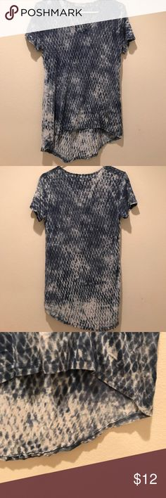 Tryst by Matthew brand shirt Blue and white casual v-neck shirt. Comfortable and breathable fabric. Slightly longer in the back. Open to offers! :) Tops Tees - Short Sleeve