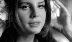 Lana Del Rey estrenó el video de su canción para mirar chicos