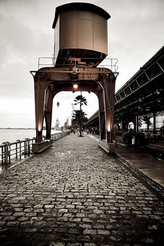 ... passear pelas docas. / ... taking a walk on the docks. #belem #brazil #tapportugal
