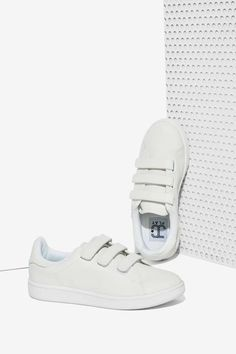JC Play by Jeffrey Campbell Game On Sneaker - White