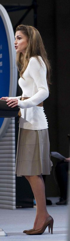 Queen Rania at the opening ceremony of the 4th High Level Forum on Aid Effectiveness on BEXCO in Busan, South Korea, 30 November 2011.