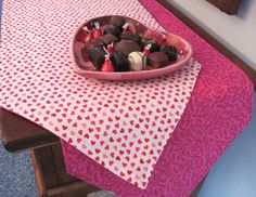 Valentines Day 90 Table Runner Reversible by tracystreasuresri