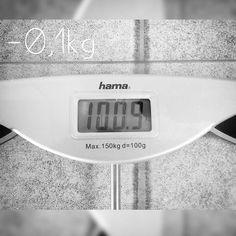 So habe mich gerade gewogen und ich  bin endlich bei der 100kg Marke angelangt es ist zwar nur 01kg weniger als letzte Woche aber das ist ok solange es stetig bergab geht. Freue mich schon darauf wenn die 9 vorne ist. Das ist auch mein großes Ziel. Ich erreiche es zwar langsamer als erhofft aber so lange ich es erreiche ist es ok. Und zumindest habe ich zur Zeit nicht das Gefühl auf irgendwas zu verzichten oder zu hungern und dafür kann es gerne etwas langsamer gehen  #abnehmen…