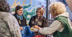 Aktiv helfen: Spende Zeit, Zuwendung und Wissen statt Geld