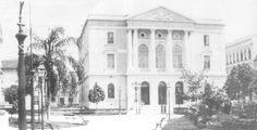 Final do século 19 - Tesouraria da Fazenda, primeiro projeto oficial de Ramos de Azevedo em São Paulo, construída entre 1886 e 1891.