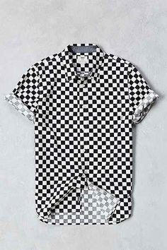 Vans Checkerboard Print Short-Sleeve Button-Down Shirt - Urban Outfitters Couple Shirt Design, Vans Checkerboard, Cool Outfits, Casual Outfits, Couple Shirts, Printed Shorts, Aesthetic Clothes, Shirt Outfit, Shirt Designs