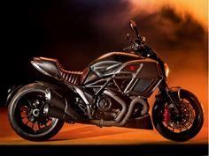 Ducati Diavel Diesel desfila em Milão como moto fashion - MOTO.com.br