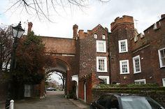 Richmond Palace was home to Henry VII, Henry VIII and Elizabeth I (who died there) between 1497 and The palace is long gone, and today the area is an elegant residential area just off The Green in Richmond Upon Thames, west London. Richmond Palace, Richmond Upon Thames, West London, Tudor, Mansions, Architecture, House Styles, City, Henry Viii