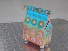 """By Di Flint after Janet Edmonds ) from her book """"Embroidered Boxes"""" Fabric Art, Fabric Crafts, Handmade Crafts, Diy And Crafts, Beaded Boxes, Fabric Boxes, Altered Boxes, Box Frames, Craft Work"""