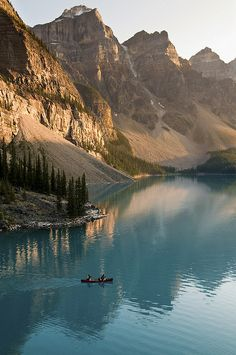 Banff Nat. Park -Alberta Canada, Moraine Lake.