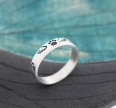 20 Sympathy Gift Ideas for Loss of Dog - Unique Gifter Pet Memorial Jewelry, Loss Of Dog, Sympathy Gifts, Pet Memorials, Band Rings, Jewelry Art, Sterling Silver Rings, Rings For Men, Wedding Rings