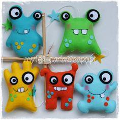 My Felt: Cute felt monsters! Monster Toys, Monster Party, Stuffed Animal Patterns, Stuffed Animals, Felt Crafts, Fabric Crafts, Ugly Dolls, Sewing Toys, Felt Toys
