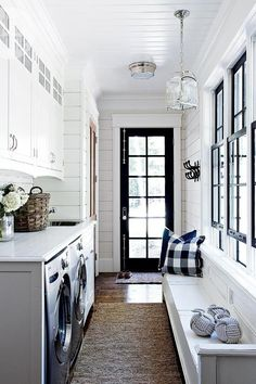 Combine It With Your Laundry Room - 15 Mudroom Ideas We're Obsessed With - Southernliving. For smaller homes, an organized laundry room/mudroom combo is ideal. laundry room ideas floor plans 15 Mudroom Ideas We're Obsessed With Mudroom Laundry Room, Farmhouse Laundry Room, Laundry Room Design, Mudrooms With Laundry, Bathroom Laundry, Laundry Room And Pantry, Laundry Bathroom Combo, Closet Mudroom, Laundry Shoot