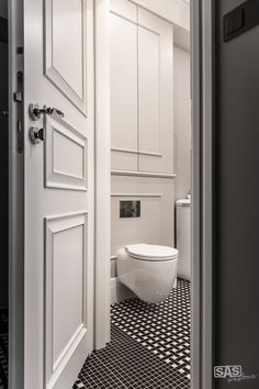 36 m² in einem Mietshaus - Today Pin Toilet Design, Door Design, House Design, Bathroom Toilets, Small Bathroom, Modern Classic Interior, Bathroom Interior Design, Apartment Interior, Bathroom Inspiration