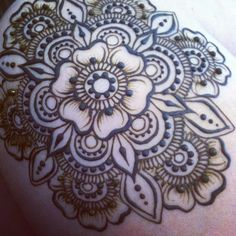 "hennaparadise: ""Instagram : mehndikajoeyhenna Mehndika: Henna Art by Joey http://www.mehndika.com"""