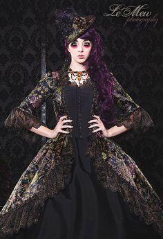 Schwarz und Gold Metallic Brokat Gothic Fantasy Marie Antoinette Kleid klein/Mittel