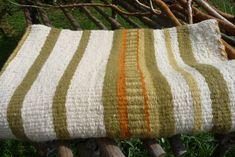 Frazada tejida en telar mapuche