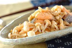 鮭とキノコのユズコショウ炒めのレシピ・作り方 - 簡単プロの料理レシピ | E・レシピ